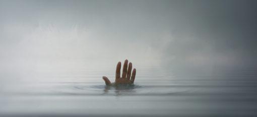 dark-waters-frame-21